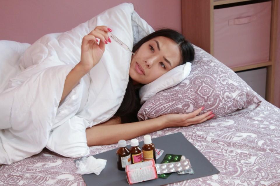 Лекарства выдают бесплатно пациентам с COVID-19, которые лечатся на дому.