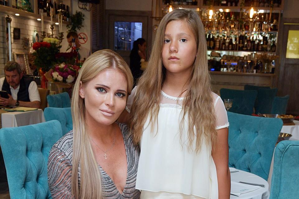 Дана Борисова сообщила, что не знает, кто является отцом ее 13-летней дочери Полины