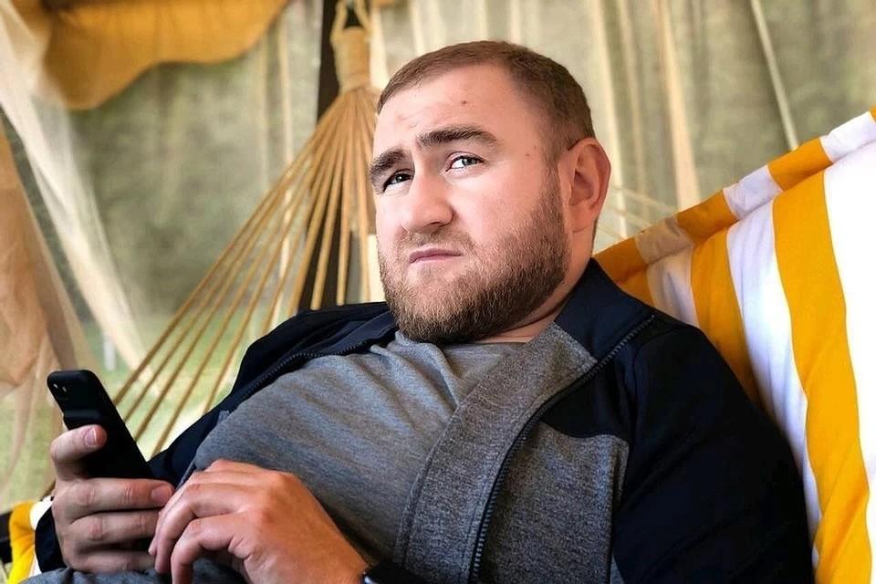 Арашуков сдал текст на наличие у него вирусного заболевания. Защитник добавил, что результат анализа на коронавирус будет известен в начале следующей недели