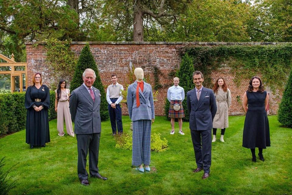 Наследник британского престола, 72-летний принц Чарльз взялся за создание линии модной одежды.