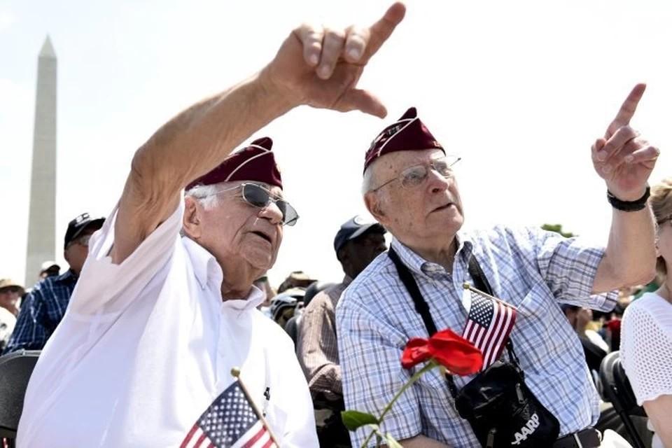 Семнадцать ветеранов в США получили медали Ушакова