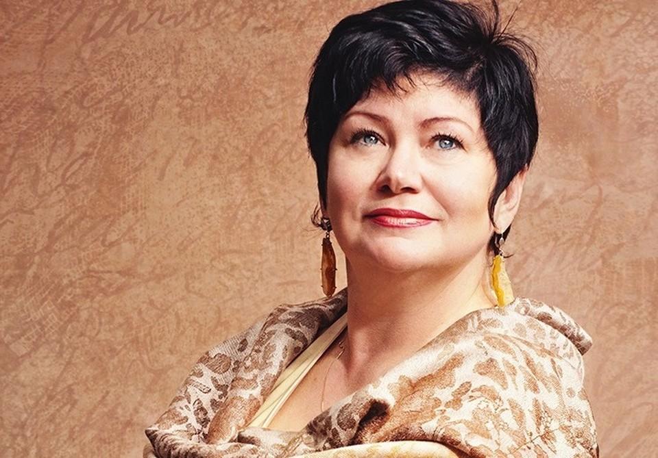 Смолянка Ольга Траутвейн получила премию Михаила Исаковского. Фото: администрация Смоленской области.