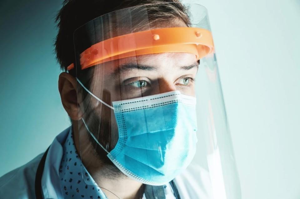 Продолжаем сохранять социальную дистанцию и носить маски