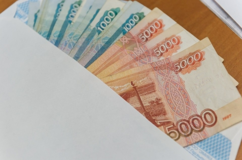 В Крыму банда полицейских и бизнесменов нелегально оформляла паспорта иностранцам.