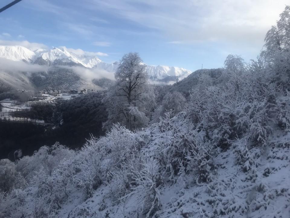 В горах Сочи продлили предупреждение о налипании мокрого снега и гололедице