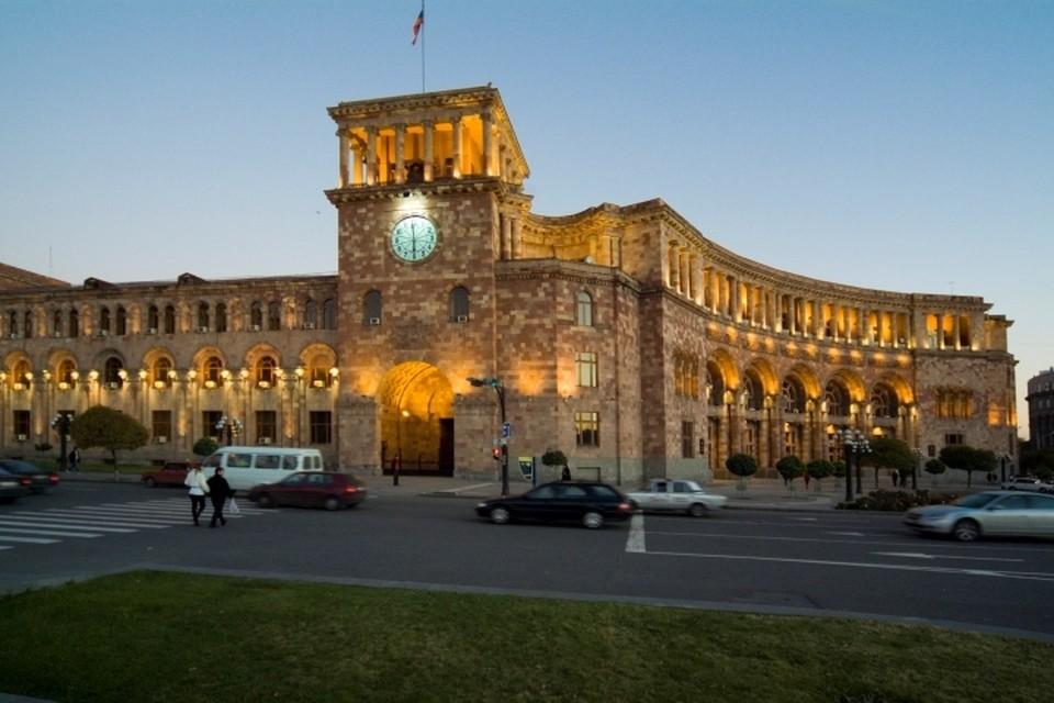 Дом правительства Армении в Ереване