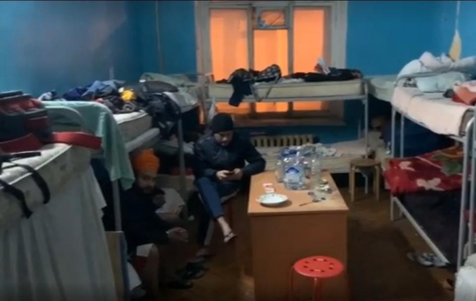 Полицейские провели рейд по квартирам Фото: ГУ МВД по СПб и ЛО