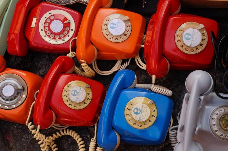 Звонить можно в рабочие часы. Фото: www.pexels.com