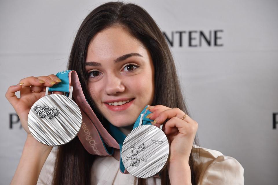Олимпийская чемпионка Евгения Медведева лечится амбулаторно.