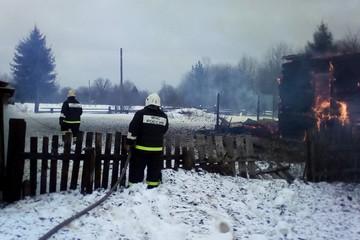 Три часа держали оборону от огня: в Красноярском крае подростки и взрослые отстояли свою деревню