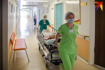 Был на изоляции, когда стало плохо -вызвали скорую, но врачи не успели: в Минске умер студент с COVID-19