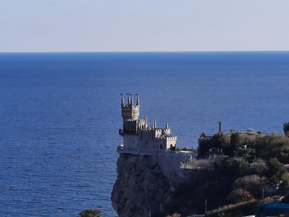 В Крыму после реконструкции открыли замок-музей «Ласточкино гнездо»