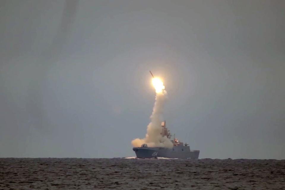 Гиперзвуковая ракета «Циркон» летит со скоростью 2,7 км в секунду: что известно о новейшем российском оружии