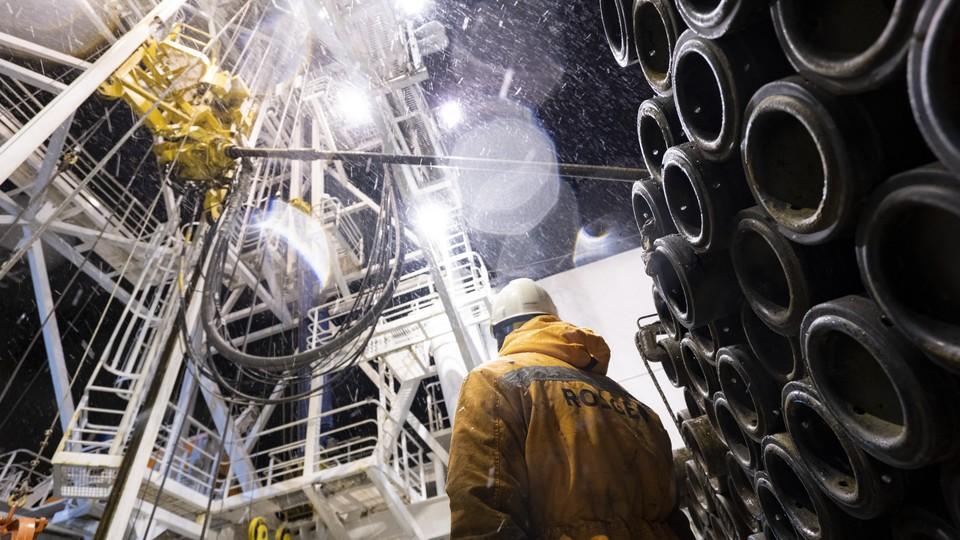 Впервые в России: «Роснефть» провела исследовательское бурение на шельфе Арктики
