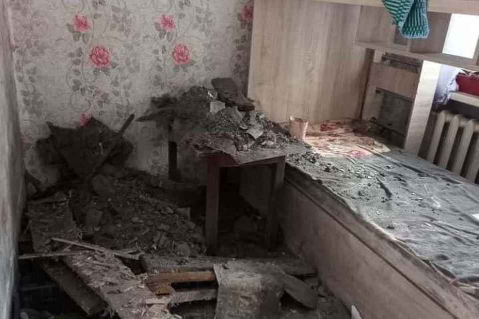 """В комнате, где произошло обрушение.ФОТО: телеграм """"Инцидент Кузбасс"""""""