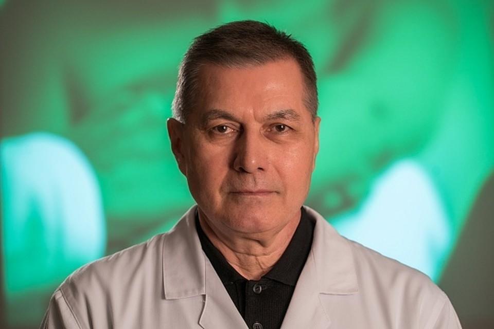 Ринат Александрович Мансуров 37 лет проработал в областной больнице. Фото: ВОКБ №1