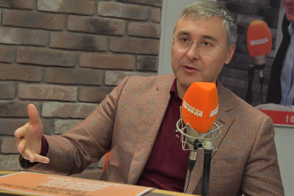 Валерий Фальков рассказа, что самым сложным решением для Минобрнауки стал перевод студентов на дистанционную систему обучения