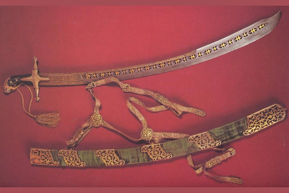 Уникальный дамасский клинок царя Михаила Федоровича сделан в 1618 году.