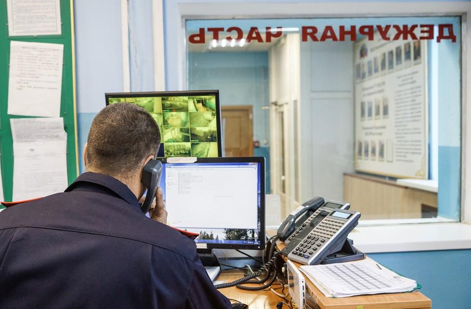 Полицейские сейчас гадают, почему 17-летний молодой человек с Рублёвки мог покончить с собой и пока не находят ответов.