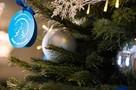 «Приятно побыть в роли Деда Мороза»: единороссы исполнили новогодние мечты детей, подсмотрев их на «Елке желаний»