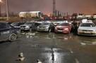 Рухнувший кирпичный забор у завода НЛМК в Липецке разбил 8 машин