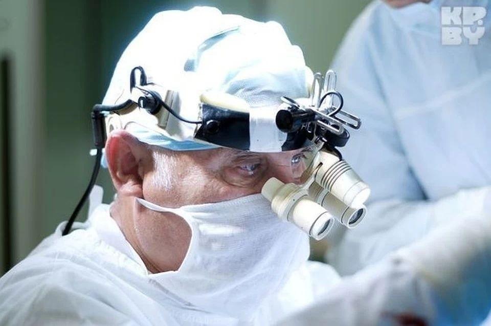 Академик Смеянович продолжал оперировать, разменяв девятый десяток.