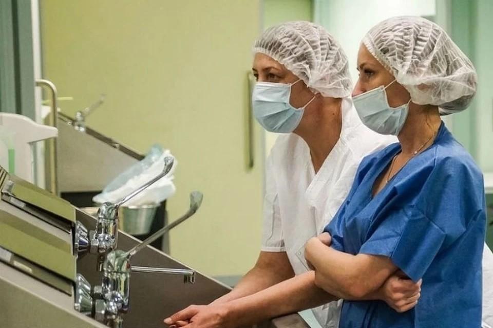 Лаборатории Крыма за сутки обследовали на коронавирус 341 человека