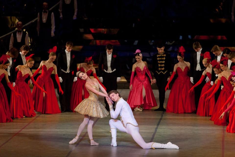 Если раньше билет на балет в Большой театр Беларуси нужно было покупать за месяц, то сейчас день в день - место найдется. Фото: bolshoibelarus.by