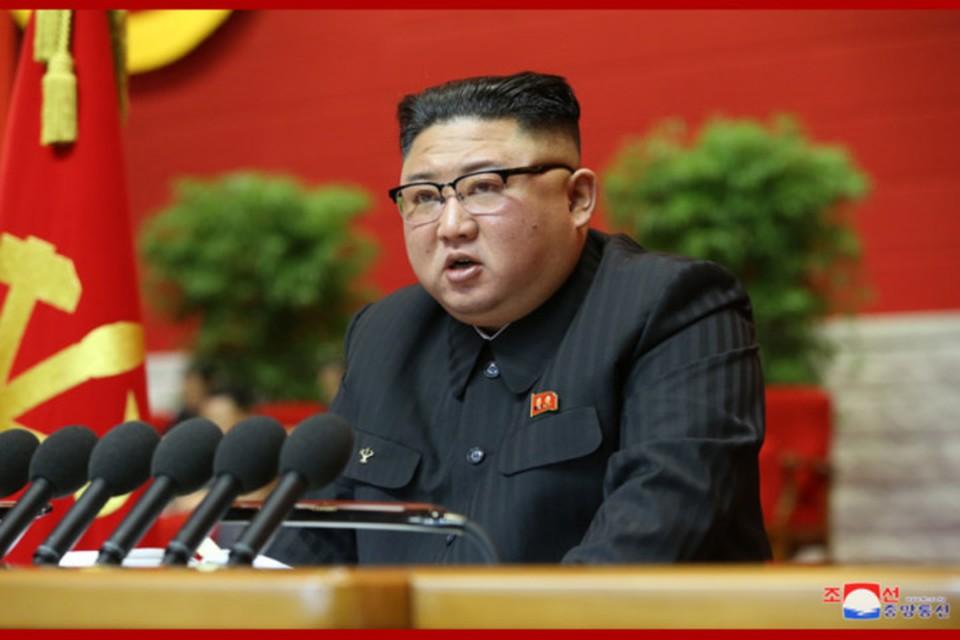Товарищ Ким Чен Ын начал отчетный доклад ЦК ТПК седьмого созыва