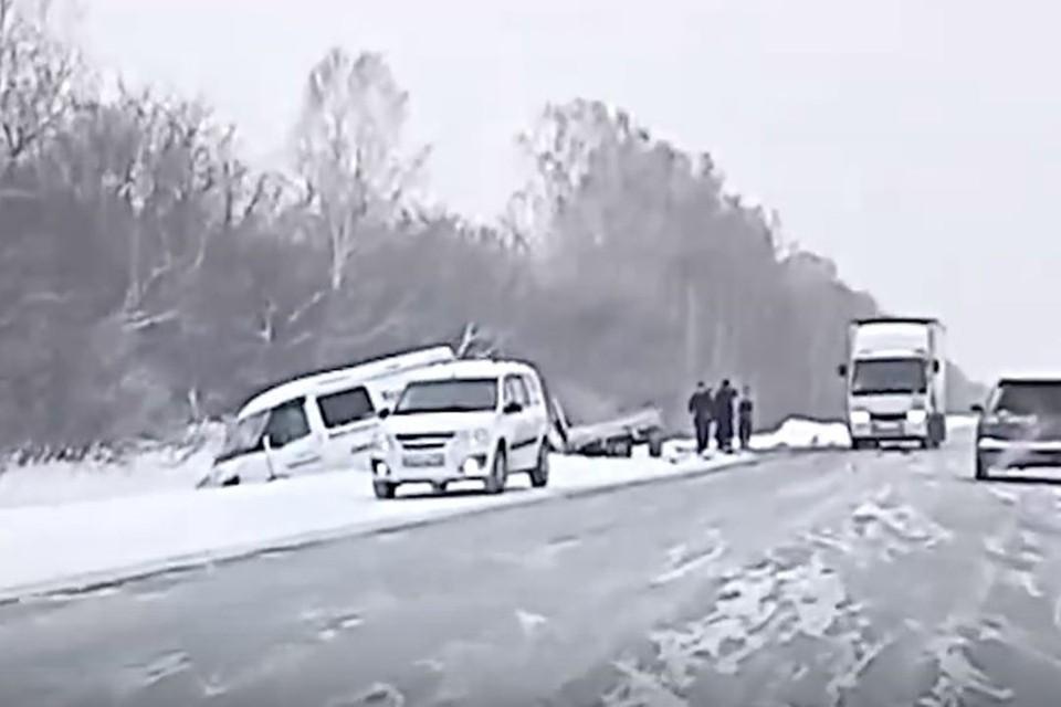 Под новосибирском произошла страшная авария. Фото: стоп-кадр