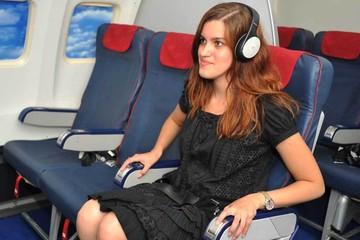 Как не бояться летать на самолете: Слушайте рэп и грызите орехи