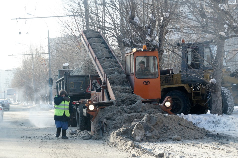 Более 200 снегоуборочных машин чистят дороги Нижнего Новгорода.