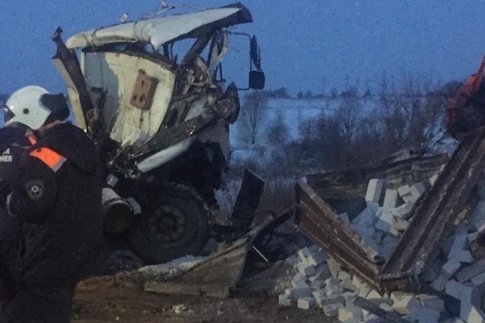 Три человека пострадали в массовом ДТП в Выгоничском районе утром 14 января.