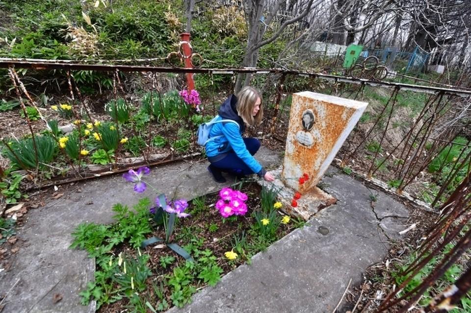 В Крыму могилы ветеранов ВОВ предлагают восстанавливать волонтерам.