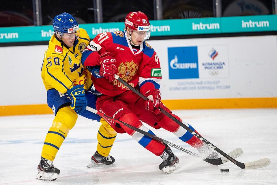 Беларусь лишили чемпионата мира по хоккею, который весной должен был пройти в двух городах - Минске и латвийской Риге.