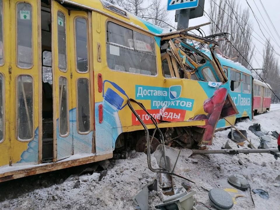 Трамвай получил серьезные повреждения. Фото: Светлана Ермакова
