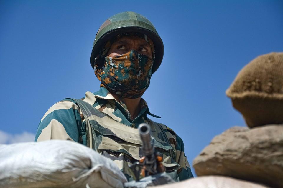 Индия сообщила о нападении Китая в районе Гималаев