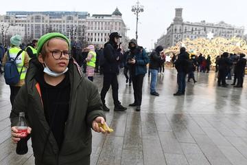 Как оградить детей от втягивания в политические игры в соцсетях: отвечают артисты и общественные деятели