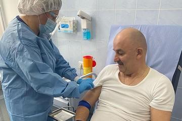 Черчесов вакцинировался от коронавируса: Игрокам сборной приготовиться