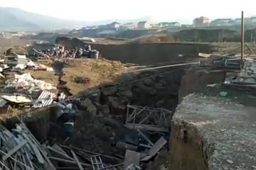 Оползень накрыл село Карабудахкент в Дагестане