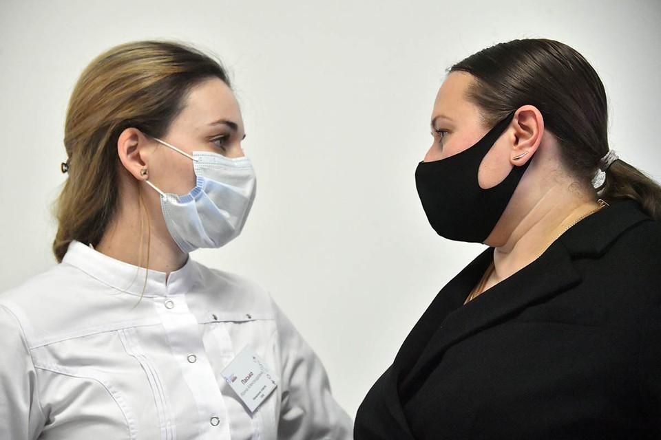 Коронавирус стал заразнее: главный инфекционист Минздрава перечислил пути передачи
