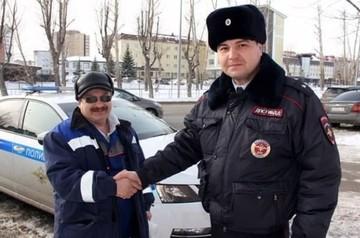 В Тюмени находчивый полицейский спас задыхавшегося мужчину, разжав ему зубы гаечным ключом