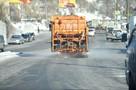 Вы льете на дороги воду: эксперт раскритиковал уборку дорог во Владивостоке