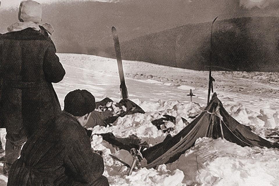 Зимой 1959 года в горах Северного Урала пропали девять туристов, ушедших в поход под руководством Игоря Дятлова.
