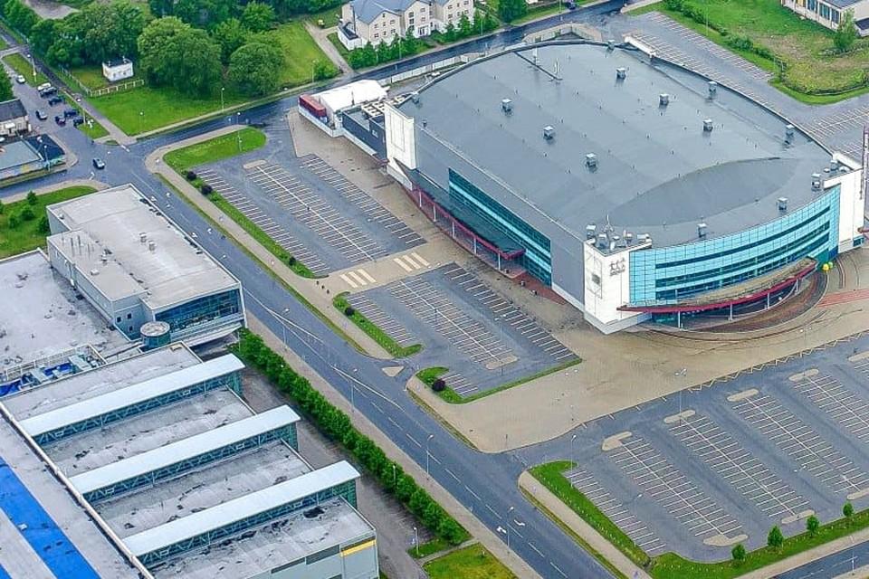 В списке хозяев осталась одна маленькая Латвия, где существует только один современный хоккейный дворец