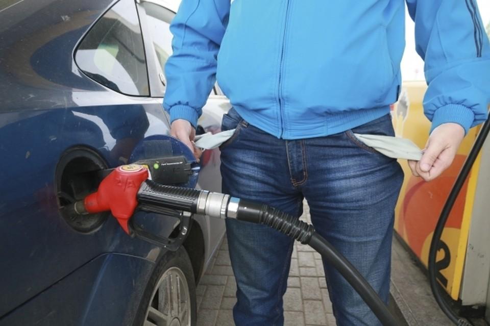 Жители Коми могут купить более 1000 литров бензина на среднюю зарплату в республике