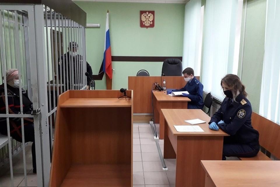 Суд назначил подсудимой 8 лет исправительной колонии общего режима. Также женщине запретили два года заниматься деятельностью по воспитанию приемных детей.