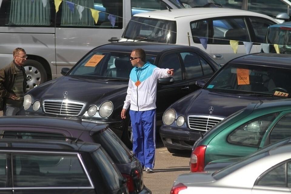 Зэки развели челябинского автоперекупа на двести тысяч рублей, придумав новую схему обмана