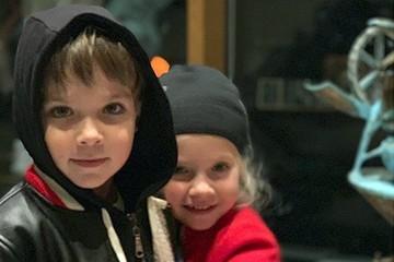 Алла Пугачева показала очень красивую няню своих двойняшек Лизы и Гарри