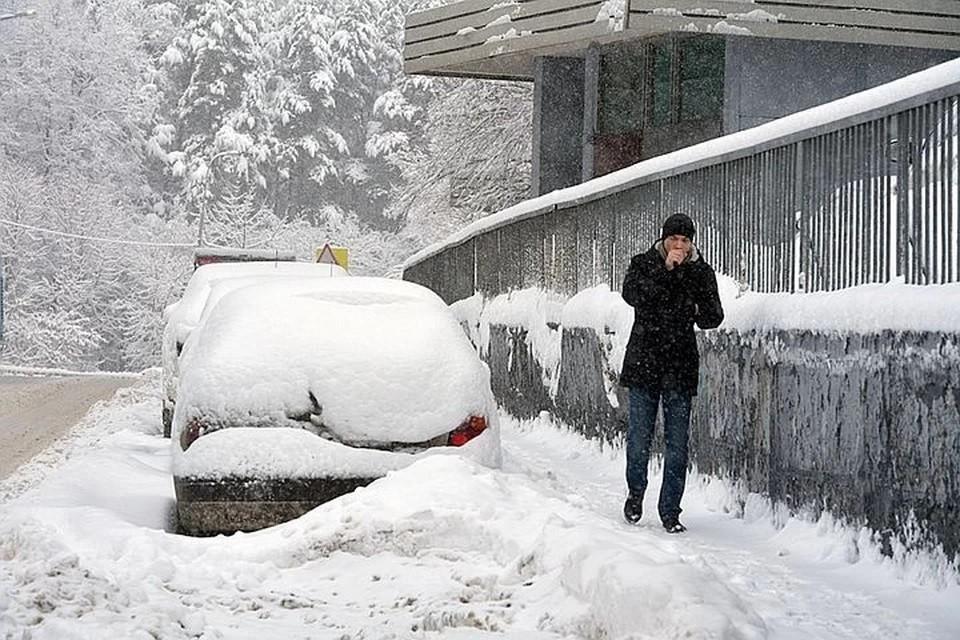 Погода во Владивостоке на 16 февраля 2021 года сохранит свой суровый характер, будет дуть сильный ветер и выпадут осадки.